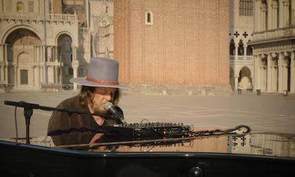 Zucchero compie 65anni e omaggia i fan con un video inedito, decise le nuove date a Verona