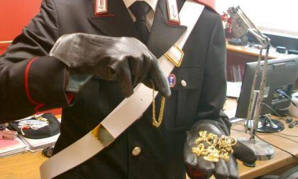 Fermati a Sanguinetto con 80 grammi di gioielli in oro, proventi di un furto: si cercano i proprietari
