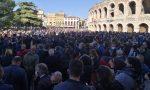 """Protesta Dpcm Verona, ristoratori e baristi in Piazza Bra: """"Vogliamo lavorare!"""" – VIDEO e GALLERY"""