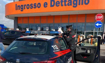 Ruba materiale idraulico al Bricoman: arrestato 50enne con precedenti per furto