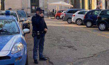 Picchiano gli agenti e gli sputano addosso: arrestati due coniugi pregiudicati