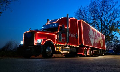 Il truck Coca-Cola oggi per le vie di Verona a diffondere canzoni natalizie