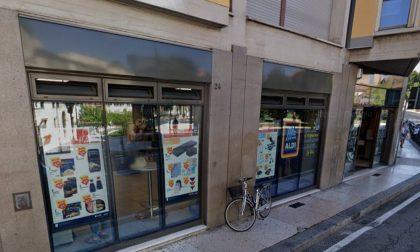 Ruba una bici in Piazza Cittadella ma il proprietario lo vede e chiama subito i Carabinieri