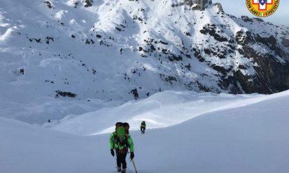 Due interventi in montagna: feriti uno sciatore 55enne e una 30enne