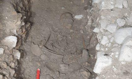 Scoperto uno scheletro di donna nell'arcovolo dell'Arena durante i lavori di restauro FOTO