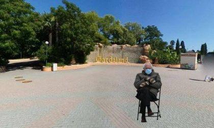 Il meme di Bernie Sanders arriva a Gardaland, anche lui è in attesa dell'apertura del parco