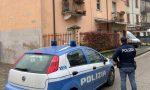 """Paura a Verona: uomo grida """"Vi ammazzo"""" e tenta di sfondare la porta di casa con un'arma"""