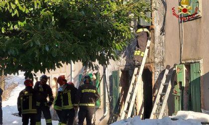 Incendio a Roverè Veronese: i pompieri trovano un uomo morto sotto le macerie