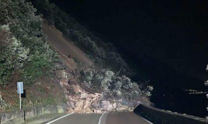 Grande frana sulla Gardesana al confine con Malcesine, strada chiusa