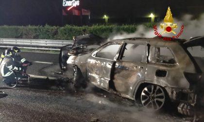 Tragedia in A4 tra Soave e Montebello: incidente tra auto, una donna è morta carbonizzata