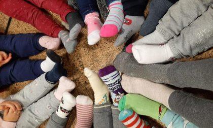 Giornata dei Calzini Spaiati: le foto dei piedini che celebrano tutte le diversità