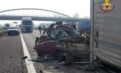 Tragedia sull'A22: muore a bordo dell'auto dopo aver tamponato un mezzo pesante