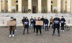"""Flash mob degli studenti davanti a Palazzo Barbieri: """"Fateci studiare!"""""""