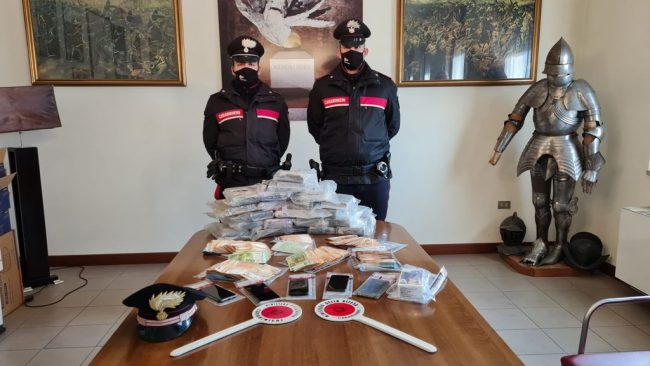 """Arrestati i """"fratelli droga"""": recuperati 23 chili di cocaina che potevano fruttare 6 milioni di euro!"""