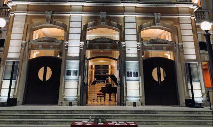 """Il Teatro Salieri si accende contro la chiusura, Vinco: """"Un segno molto forte"""""""