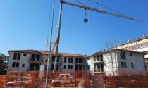 Cantiere abbandonato di Via Cernisone: dopo 20 anni di degrado gli operai tornano al lavoro