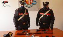 Spara al connazionale e minaccia i Carabinieri con la stessa arma: arrestato