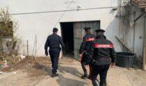 Prendono possesso di un edificio abbandonato e rubano energia elettrica: cinque nordafricani denunciati