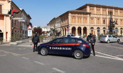 Ubriaco alla guida in pieno coprifuoco si rifiuta di sottoporsi all'alcoltest e aggredisce i Carabinieri