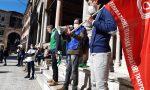 """Lavoratori aeroportuali manifestano davanti alla Prefettura, sindacati: """"Si lavori al rilancio dello scalo"""""""
