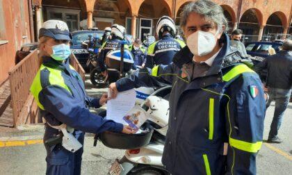 A Verona consegna a domicilio dell'appuntamento per il vaccino agli over 80 senza internet