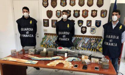 Inseguimento tra Bussolengo e Castelnuovo: il commissario Rex della Finanza trova droga in auto per due milioni di euro