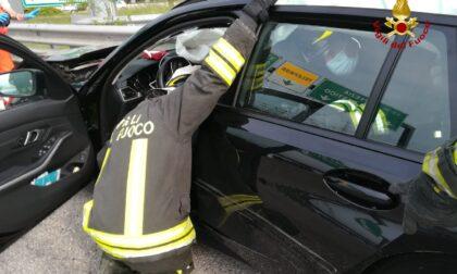 Tamponamento tra due auto al casello autostradale di Verona Sud: un ferito