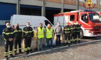 Vigili del fuoco a sostegno delle famiglie bisognose: consegnati 300 chili di pasta e beni alimentari