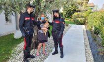 Rompe la recinzione e scappa ma poi si perde, cagnolino salvato dai Carabinieri