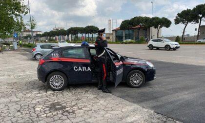 Tenta di rubare alcolici al supermercato, arrestata dai carabinieri