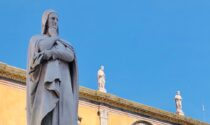 Dante 2021: completato il restauro del monumento in Piazza dei Signori