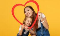 Festa della mamma 2021 domenica 9 maggio: frasi e immagini d'auguri