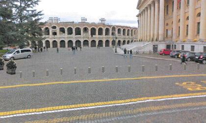 Addio new jersey in cemento in Piazza Bra, in arrivo paletti rinforzati a scomparsa