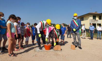 Posata la prima pietra della nuova scuola primaria di Villafontana