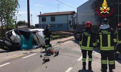 Tremendo frontale a Borgo Veneto: morto un 52enne