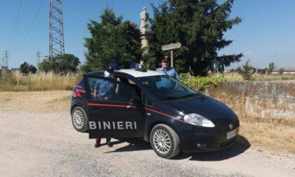 Ruba uno scooter parcheggiato a Villafranca e tenta la fuga