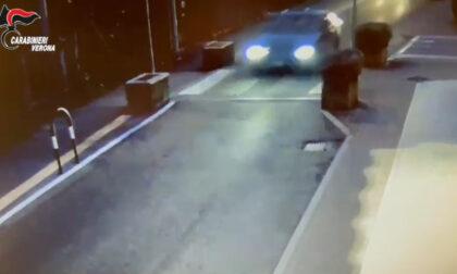 Il video della folle fuga contromano in centro a Lugagnano