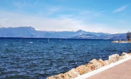 Tragedia sul Lago di Garda: 23enne si tuffa ma non riemerge, rianimato poi è morto in ospedale