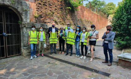 Comune e Amia supportano con materiali e indicazioni i volontari per la cura del verde