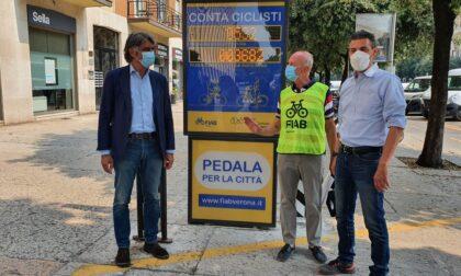 In funzione il primo display contabiciclette a Verona, l'unico di Fiab in Italia