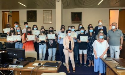 Consegnate 53 borse di studio agli alunni delle medie di Legnago che si sono distinti all'esame di Stato