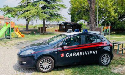 Alterato dai fumi dell'alcool prende a calci e pugni i Carabinieri