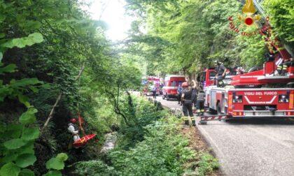 Tragedia a Roveré Veronese: ciclista precipita per 8 metri nella scarpata, morto sul colpo
