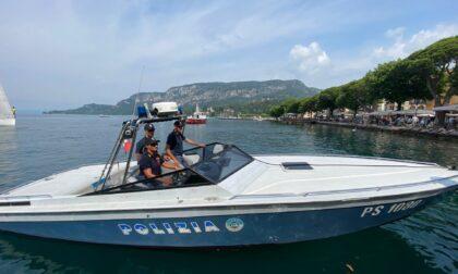 Minorenni stranieri guidano moto d'acqua senza patente nautica: multe da 3600 euro