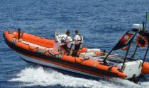 Lago di Garda, grave un giovane colpito da motoscafo guidato dall'amico