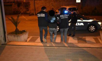 Rapinava gli anziani usando lo spray al peperoncino, arrestato a Verona