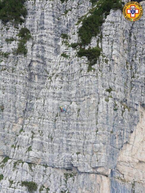 Alpinista veronese precipita dalla parete per una quarantina di metri: è grave
