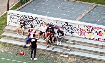 Vandali in azione al parco di via Abba, dieci giovani coinvolti