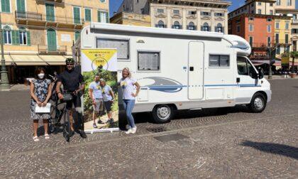"""Da Verona il """"Ri-cicloviaggio"""" di Luca e Giulia per raccogliere protesi inutilizzate da donare in Africa"""