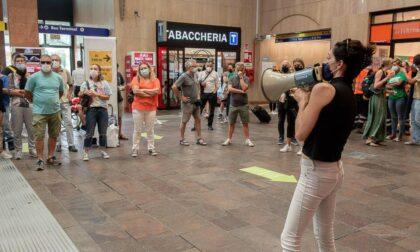 Dopo il flop alla manifestazione in stazione i No vax ci riprovano in piazza Bra